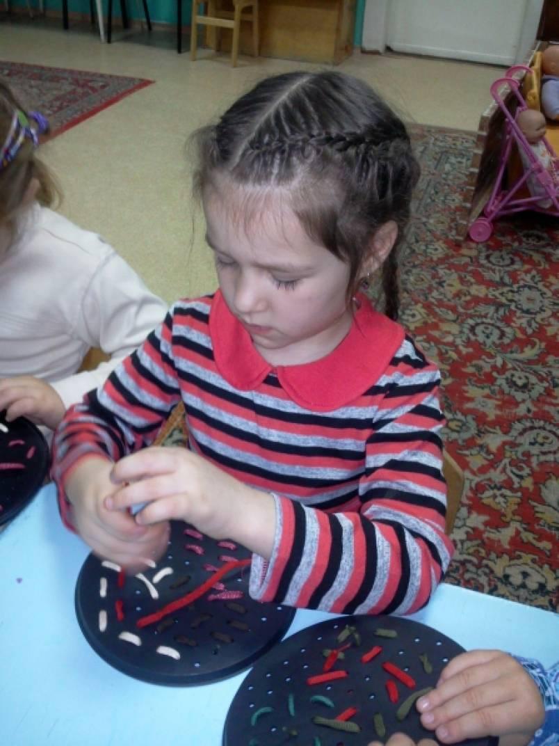 знакомство детей с иголкой