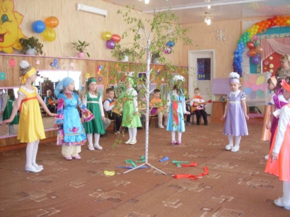 Сценарий весеннего праздника в младшей группе детского сада