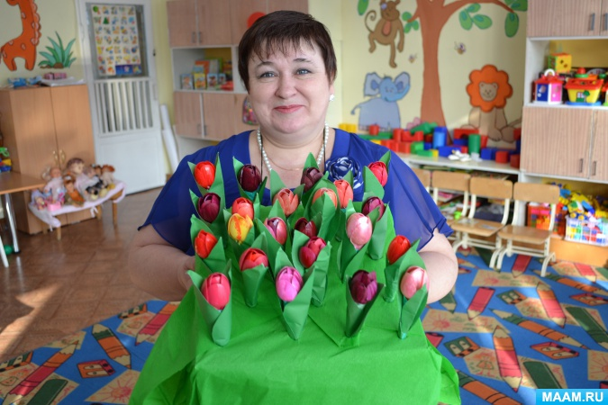 Фотоотчет о поделках из бросового материала «Тюльпаны для мамы»