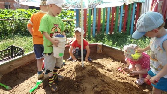 «Песок, вода, камни». Игры в природной среде