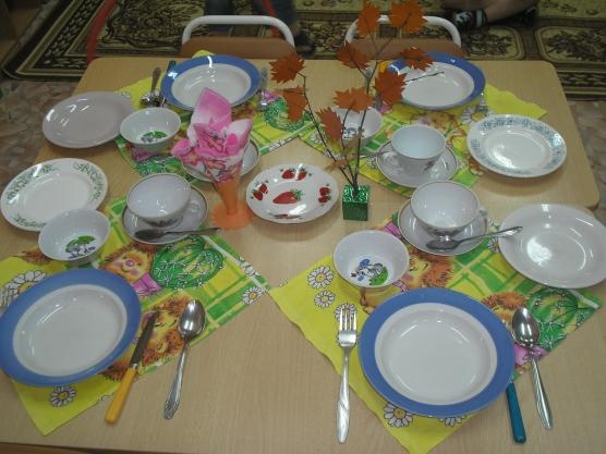 картинки в детском саду сервировка стола