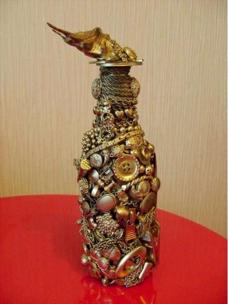 Декорирование бутылок своими руками и подручными средствами