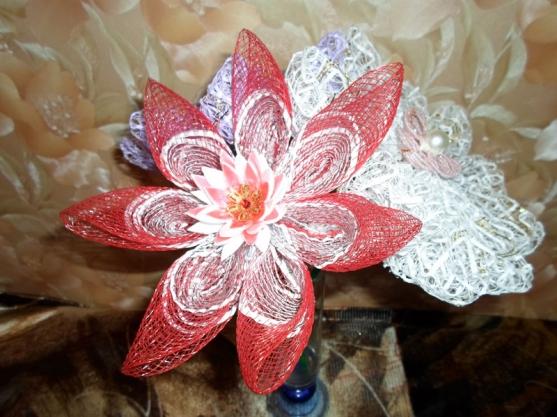 Поделки из упаковочной сетки для цветов 94
