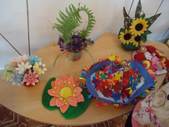 Поделки из цветов в детский сад фото 45