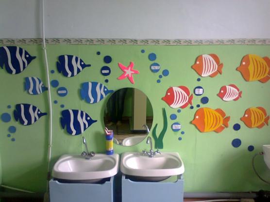 Как украсить своими руками стены в детском саду фото 550