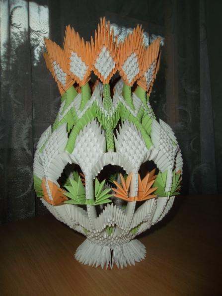 Напольная ваза.