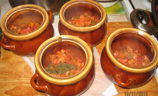 Солянка в горшочках в духовке рецепты