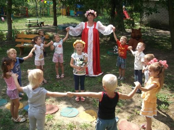 знакомство детей с культурой историей народов относится
