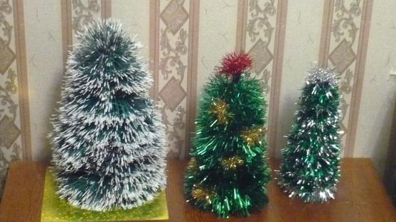 Новогодние поделки своими руками елка из мишуры