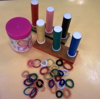 Дидактическая игра для развития цветовосприятия с использованием резинок для волос