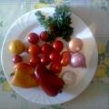 Вкусные помидорчики.