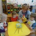 «Вкусная яичница». Рисование с детьми раннего возраста