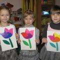 «Тюльпаны— улыбка весны!» Поделка из бумаги в технике айрис-фолдинг ко Дню 8 Марта