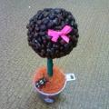 «Кофейное дерево»— ароматный сувенир из зёрен кофе.
