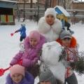 Фигуры из снега на нашем участке.