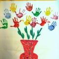 Конспект занятия по рисованию во второй младшей группе «Поздравим мам»