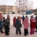 Фотоотчет на спортивное развлечение «Веселая Санница» на воздухе с детьми средней группы