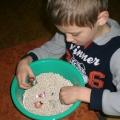 Развитие мелкой моторики рук у детей с ранним детским аутизмом в играх с крупами