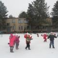 Спортивное развлечение на свежем воздухе «Здравствуй, зимушка-зима!» (средняя группа)