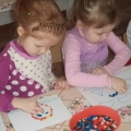 Дидактическая игра «Чудесные камушки» для детей младшего и старшего дошкольного возраста