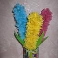 Весенние гиацинты в оригинальной вазе