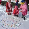 Продолжение новогоднего праздника или как мы украсили свой участок