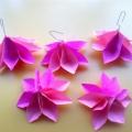 «Ёлка-модница». Новогоднее украшение в технике оригами