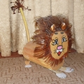 Весёлый львёнок (из бросового материала)