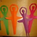 Поделка из бумаги «Снежинки-балеринки».