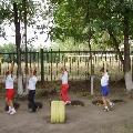 Упражнения с использованием ямок на прогулке