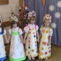 Дефиле-игра для младшей группы «В царстве времён года»