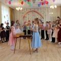 Фотоотчет о проведении выпускного праздника в детском саду. «Муха-Цокотуха идет в школу» (часть 2)