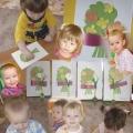 Как малыши ясельной группы готовили подарки любимым мамочкам