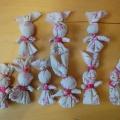 Изготовление русской тряпичной куклы «Зайчик на пальчик».