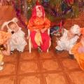 Новогодняя сценка «Разбуди нас, петушок!» для детей средней группы