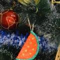 МК игрушки на елку из шарикового пластилина