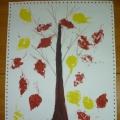 Коллективная работа группы младшего возраста «Осенние дерево»