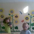 Аппликация на стене в детском саду