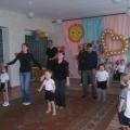 Физкультурное развлечение для родителей и детей средней группы. «Бумажная история»