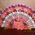 Декоративный веер-панно из одноразовых вилок