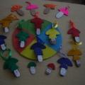 Дидактическая игра для младшей группы «Разноцветные грибочки»