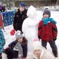 Зимние забавы. Наша снегурочка