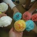 Как же нам понравились цветы из салфеток!