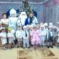 Фотоотчет о проведении новогоднего утренника во 2 младшей группе «Здравствуй, здравствуй, Новый год!»