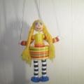 Куклы-марионетки из подручного материала.