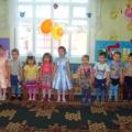 Фотоотчёт о развлечении, посвящённом 8 марта, во второй младшей группе