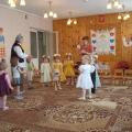 Весенний праздник «Малыши поздравляют мам с праздником»