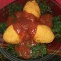 Рыбные кнели на пару с томатным соусом