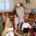 Сценарий новогоднего утренника (для детей первой младшей группы). «Сюрпризы Снегурочки»