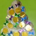 Мастер-класс «Рождественская елка» (из дисков и потолочной плиты)